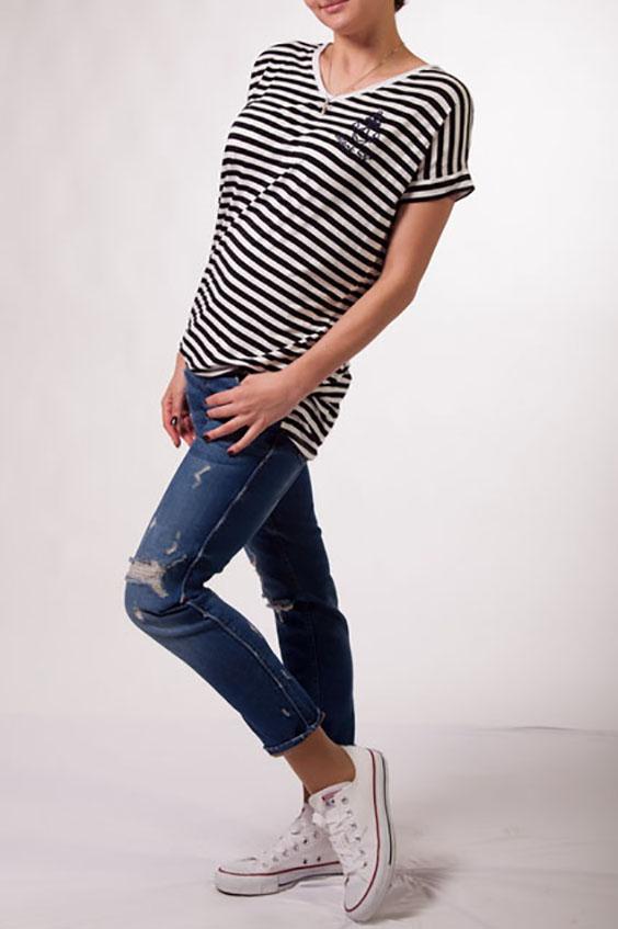ТуникаТуники<br>Удлиненная туника в морском стиле с круглой горловиной и короткими рукавами. Модель выполнена из приятного трикотажа. Отличный выбор для повседневного гардероба.  Цвет: белый, черный  Ростовка изделия 170 см.<br><br>Горловина: С- горловина<br>По материалу: Вискоза,Трикотаж<br>По образу: Город<br>По рисунку: В полоску,С принтом,Цветные<br>По силуэту: Свободные<br>По стилю: Молодежный стиль,Повседневный стиль<br>Рукав: Короткий рукав<br>По сезону: Лето,Весна,Зима,Осень,Всесезон<br>Размер : 44,46,48<br>Материал: Вискоза<br>Количество в наличии: 5