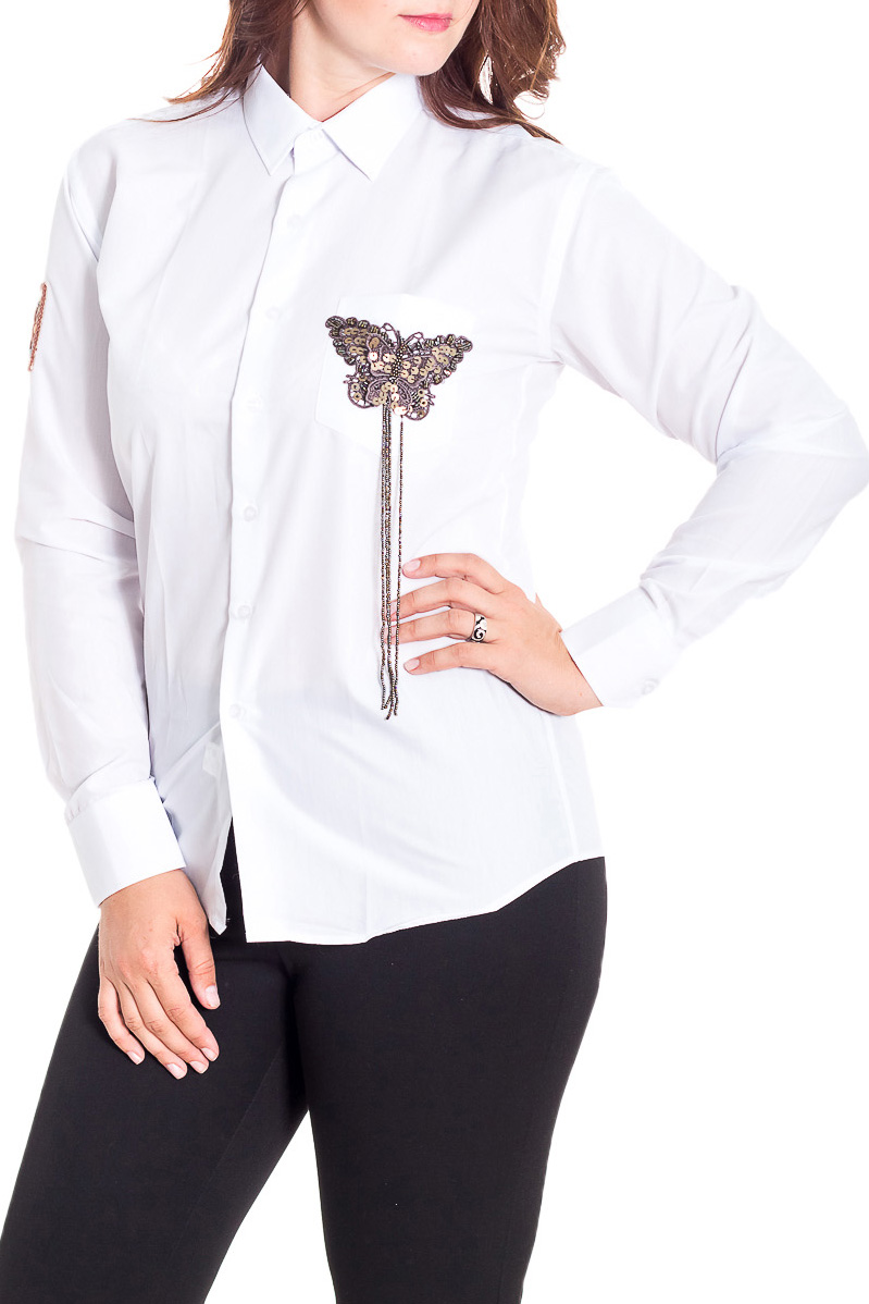 РубашкаРубашки<br>Однотонная рубашка полуприталенного силуэта с декоративной нашивкой. Модель выполнена из хлопкового материала. Отличный выбор для повседневного гардероба.  Рубашка подходит на размеры 40-48.  Цвет: белый  Рост девушки-фотомодели 180 см.<br><br>Воротник: Рубашечный<br>Застежка: С пуговицами<br>По материалу: Хлопок<br>По образу: Город,Офис<br>По рисунку: Однотонные<br>По сезону: Весна,Зима,Лето,Осень,Всесезон<br>По силуэту: Полуприталенные<br>По стилю: Офисный стиль,Повседневный стиль<br>По элементам: С декором,С манжетами<br>Рукав: Длинный рукав<br>Размер : universal<br>Материал: Хлопок<br>Количество в наличии: 2