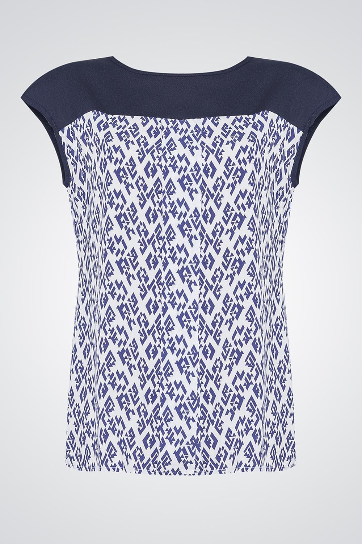 БлузкаБлузки<br>Женская блуза свободного силуэта из хлопка, на спинке застежка пуговица. Параметры изделия: 44 размер: обхват по линии груди 98 см, обхват по линии бедер 104 см, длина изделия - 62 см; 52 размер: обхват по линии груди 114 см, обхват по линии бедер 120 см, длина изделия - 66,3 см.Цвет: синий, белый<br><br>Горловина: С- горловина<br>Рукав: Короткий рукав<br>Материал: Тканевые<br>Рисунок: С принтом,Цветные<br>Сезон: Весна,Всесезон,Зима,Лето,Осень<br>Силуэт: Полуприталенные<br>Стиль: Повседневный стиль,Летний стиль<br>Размер : 50,52<br>Материал: Блузочная ткань<br>Количество в наличии: 3