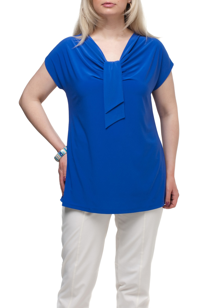 БлузкаБлузки<br>Однотонная женская блузка полуприталенного силуэта с декоративным элементом на груди. Модель выполнена из приятного трикотажа. Отличный выбор для любого случая.Цвет: синийРост девушки-фотомодели 173 см<br><br>Рукав: Короткий рукав<br>Материал: Трикотаж<br>Рисунок: Однотонные<br>Сезон: Весна,Всесезон,Зима,Лето,Осень<br>Силуэт: Полуприталенные<br>Стиль: Повседневный стиль,Кэжуал,Летний стиль<br>Элементы: С декором<br>Размер : 66,72<br>Материал: Холодное масло<br>Количество в наличии: 3