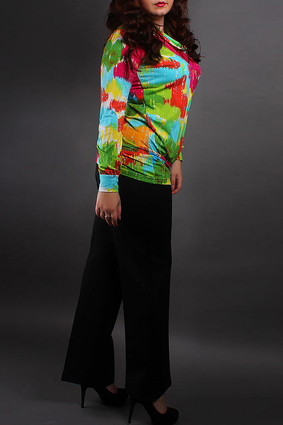 БлузкаБлузки<br>Яркая блузка с длинными рукавами. Отличный выбор для повседневного гардероба.  Цвет: салатовый, оранжевый, розовый, голубой  Ростовка изделия 170 см.<br><br>По материалу: Вискоза<br>По образу: Город,Свидание<br>По рисунку: Абстракция,Цветные<br>По сезону: Весна,Всесезон,Зима,Лето,Осень<br>По силуэту: Полуприталенные<br>По стилю: Повседневный стиль<br>Рукав: Длинный рукав<br>Размер : 50-52,54-56<br>Материал: Вискоза<br>Количество в наличии: 3