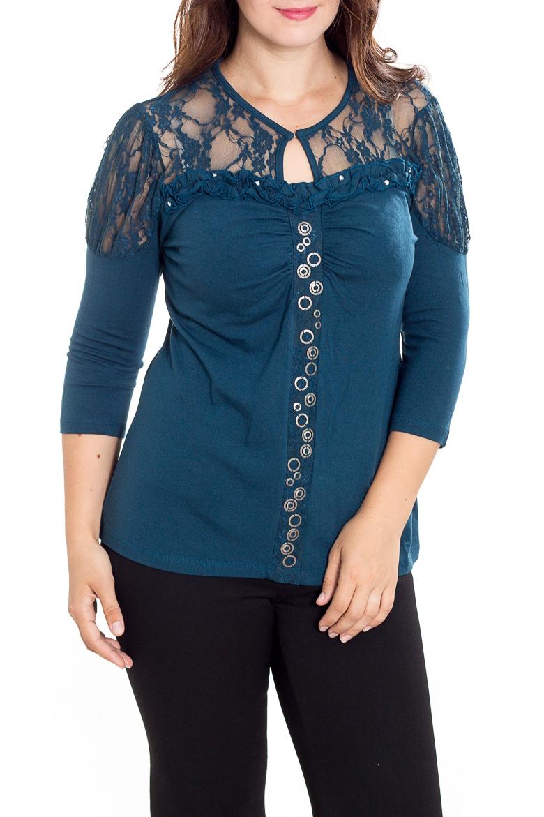 БлузкаБлузки<br>Нарядная блузка с рукавами 3/4. Модель выполнена из мягкого трикотажа с отделкой из гипюра. Отличный выбор для любого торжества.  Цвет: синий  Рост девушки-фотомодели 180 см<br><br>Горловина: С- горловина<br>По материалу: Гипюр,Трикотаж<br>По образу: Свидание<br>По рисунку: Однотонные<br>По сезону: Весна,Зима,Лето,Осень,Всесезон<br>По силуэту: Приталенные<br>По стилю: Нарядный стиль<br>По элементам: С декором<br>Рукав: Рукав три четверти<br>Размер : 48,50,52<br>Материал: Трикотаж + Гипюр<br>Количество в наличии: 3