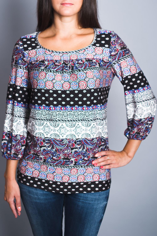 БлузкаБлузки<br>Цветная блузка полуприталенного силуэта. Модель выполнена из приятного материала. Отличный выбор для повседневного гардероба.  В изделии использованы цвета: белый, голубой, черный и др.  Ростовка изделия 170 см.<br><br>Горловина: С- горловина<br>По материалу: Вискоза<br>По рисунку: С принтом,Цветные,Этнические<br>По сезону: Весна,Зима,Лето,Осень,Всесезон<br>По силуэту: Полуприталенные<br>По стилю: Повседневный стиль<br>Рукав: Рукав три четверти<br>Размер : 44,48,50<br>Материал: Вискоза<br>Количество в наличии: 3