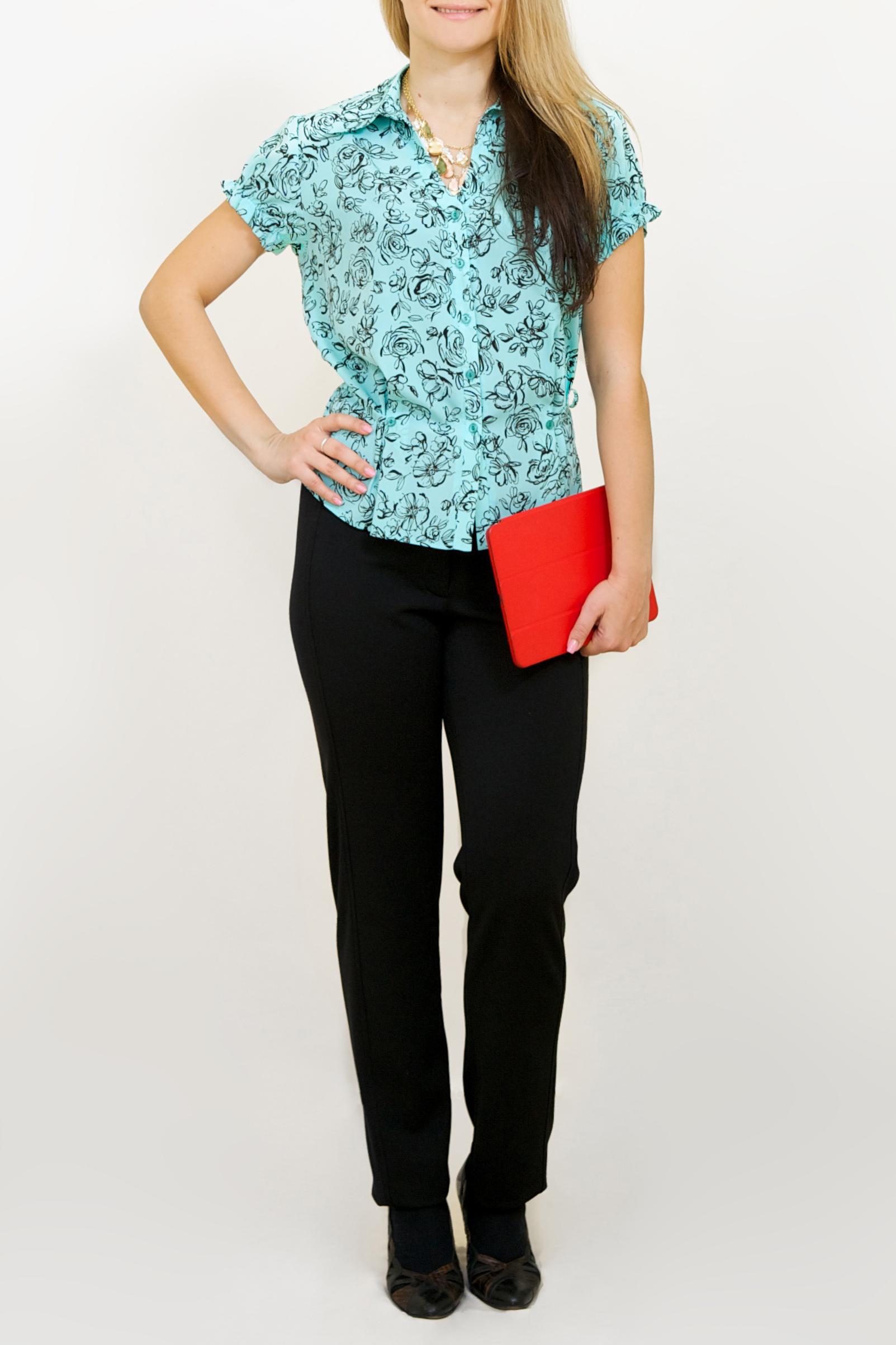 БлузкаБлузки<br>Чудесная блузка с короткими рукавами. Модель выполнена из приятного материала. Отличный выбор для повседневного гардероба.  Цвет: голубой, черный  Ростовка изделия 170 см.<br><br>Воротник: Рубашечный<br>Горловина: V- горловина<br>По материалу: Блузочная ткань,Хлопок<br>По образу: Город,Свидание<br>По рисунку: С принтом,Цветные<br>По сезону: Весна,Зима,Лето,Осень,Всесезон<br>По силуэту: Свободные<br>По стилю: Повседневный стиль<br>Рукав: Короткий рукав<br>Размер : 50,58,60<br>Материал: Блузочная ткань<br>Количество в наличии: 7