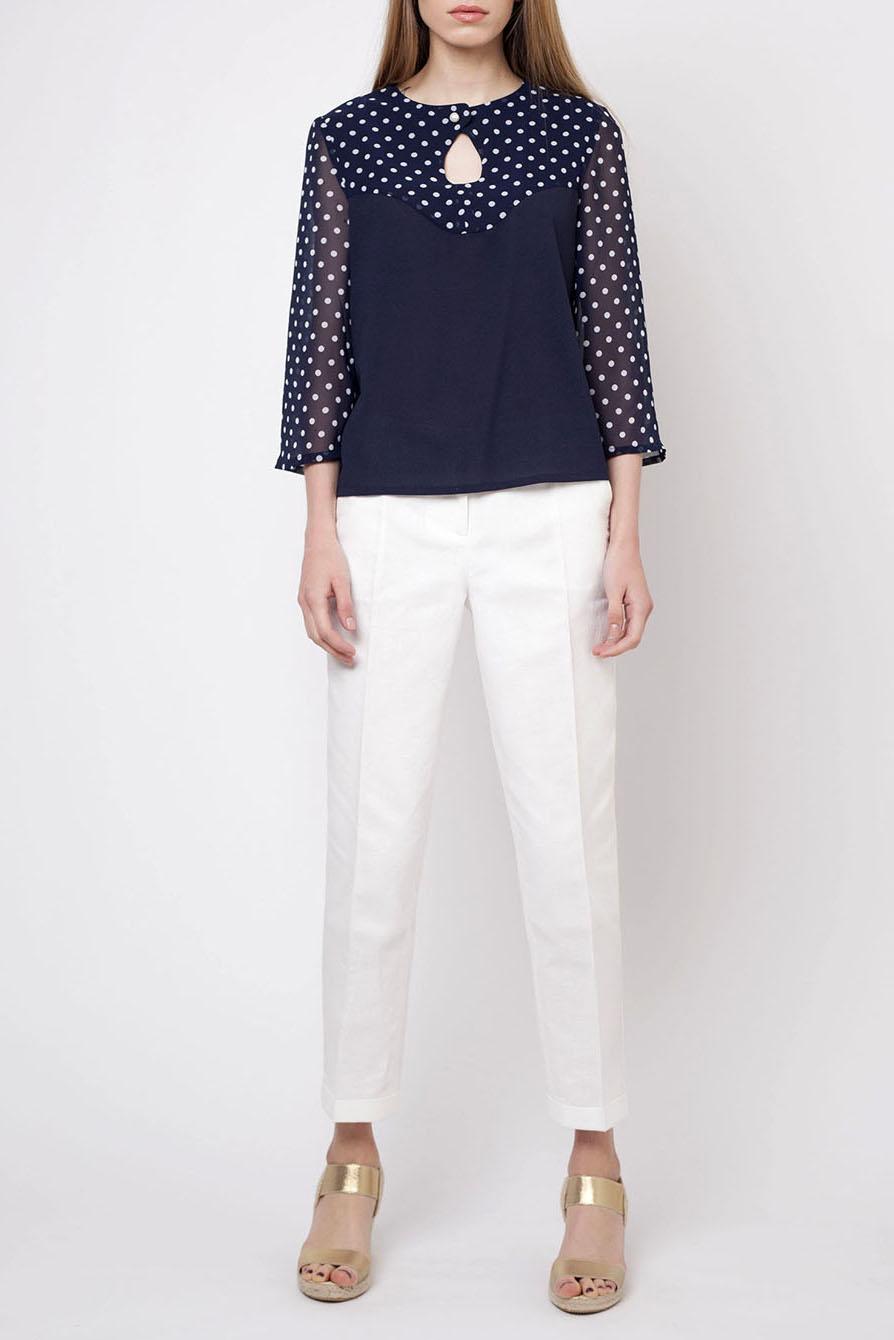 БлузкаБлузки<br>Милая блузка свободного силуэта. Модель выполнена из приятного материала. Отличный выбор для повседневного гардероба.  Цвет: синий, белый  Ростовка изделия 170 см.<br><br>Горловина: С- горловина<br>По материалу: Блузочная ткань,Тканевые<br>По рисунку: В горошек,С принтом,Цветные<br>По сезону: Весна,Зима,Лето,Осень,Всесезон<br>По силуэту: Свободные<br>По стилю: Повседневный стиль<br>По элементам: С вырезом<br>Рукав: Рукав три четверти<br>Размер : 44,50,52<br>Материал: Блузочная ткань<br>Количество в наличии: 3