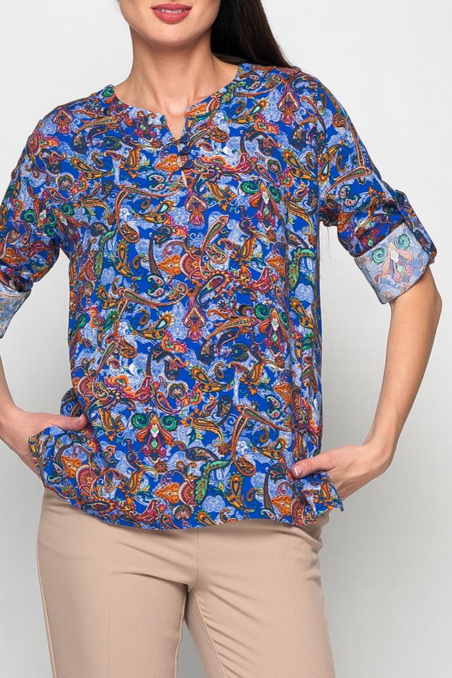 БлузкаБлузки<br>Удлиненная женская блуза, выполненая из хлопка, на грудке три пуговицы, украшаюшие блузу. Рукава изделия оформлены застежками, что позволяет удлинить рукава или сделать их более короткими. Насыщенный цвет и принт делают блузу более модной и яркой, идеальный летний вариант как для прогулок, так и для работы.   Параметры изделия:  44 размер: обхват по линии груди 101 см, обхват по линии бедер 106 см, длина изделия - 64 см, длина рукава - 60 см;  52 размер: обхват по линии груди 117 см, обхват по линии бедер 122 см, длина изделия - 68,5 см, длина рукава - 61 см  Цвет: синий, голубой и др.  Рост девушки-фотомодели 170 см<br><br>Горловина: V- горловина<br>По материалу: Хлопок<br>По рисунку: С принтом,Этнические<br>По сезону: Весна,Зима,Лето,Осень,Всесезон<br>По силуэту: Прямые<br>По стилю: Повседневный стиль<br>По элементам: С патами<br>Рукав: Рукав три четверти,Длинный рукав<br>Размер : 42,44,46<br>Материал: Хлопок<br>Количество в наличии: 3