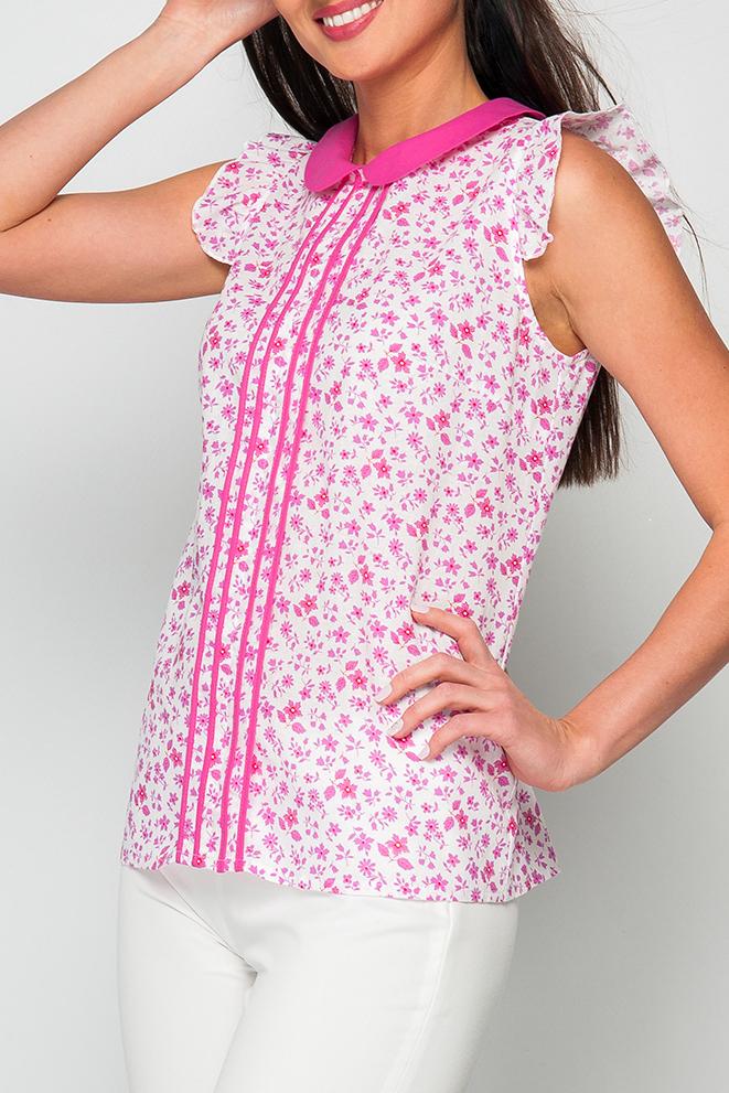 БлузкаБлузки<br>Романтическая женская блуза с отделкой по воротничку и переду блузы. Модель будет отлично смотреться в сочетании с летними шортами, так и с брюками.   Параметры изделия:  44 размер: обхват по лнии груди 99 см, обхват по линии бедер - 105 см, длина по спинке - 62 см;  48 размер: обхват по лнии груди 107 см, обхват по линии бедер - 113 см, длина по спинке - 63 см.   Цвет: белый, розовый  Рост девушки-фотомодели 170 см<br><br>Воротник: Отложной<br>Горловина: С- горловина<br>По материалу: Хлопок<br>По рисунку: Растительные мотивы,С принтом,Цветные,Цветочные<br>По сезону: Весна,Зима,Лето,Осень,Всесезон<br>По силуэту: Приталенные<br>По стилю: Повседневный стиль,Романтический стиль<br>По элементам: С воланами и рюшами<br>Рукав: Без рукавов<br>Размер : 42,46,48<br>Материал: Хлопок<br>Количество в наличии: 3