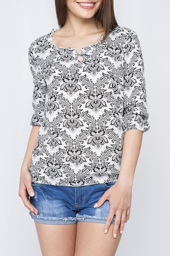 БлузкаБлузки<br>Стильная женская блуза свободного силуэта с рукавами 3/4. Отличный выбор для любого случая.  Параметры изделия:  44 размер: обхват груди 98 см, длина изделия 62 см, длина рукава 41 см;  52 размер: обхват груди 114 см, длина изделия 64,5 см, длина рукава 42,5 см.  Цвет: белый, серый, черный  Рост девушки-фотомодели 170 см<br><br>Горловина: С- горловина<br>По материалу: Хлопок<br>По образу: Город,Свидание<br>По рисунку: С принтом,Цветные<br>По сезону: Весна,Зима,Лето,Осень,Всесезон<br>По силуэту: Свободные<br>По стилю: Повседневный стиль<br>Рукав: Рукав три четверти<br>Размер : 46,56,60<br>Материал: Хлопок<br>Количество в наличии: 3