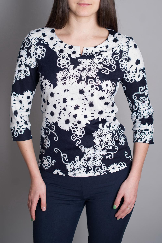 БлузкаБлузки<br>Универсальная повседневная блузка с рукавами 3/4. Отличный выбор для повседневного гардероба.   В изделии используются цвета: темно-синий, белый.  Рост девушки-фотомодели 170 см<br><br>Горловина: С- горловина<br>По материалу: Трикотаж<br>По рисунку: Растительные мотивы,С принтом,Цветные,Цветочные<br>По сезону: Весна,Зима,Осень,Всесезон<br>По силуэту: Полуприталенные<br>По стилю: Повседневный стиль<br>Рукав: Рукав три четверти<br>Размер : 48,50,52<br>Материал: Трикотаж<br>Количество в наличии: 3