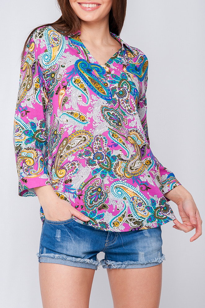 БлузкаБлузки<br>Женская блуза из хлопка, по рукавам есть застежки, что позволяет опустить их или укоротить, отложной воротник и V-образный вырез изделия разбавят строгость модели.  Параметры изделия:  44 размер: обхват по линии груди - 100,5 см, обхват по линии груди - 106,5 см, длина изделия - 70 см;  50 размер: обхват по линии груди - 112,5 см, обхват по линии груди - 118,5 см, длина изделия - 72,5 см Рукав 3/4  Цвет: белый, розовый, голубой и др.  Рост девушки-фотомодели 170 см<br><br>Воротник: Отложной<br>Горловина: V- горловина<br>По материалу: Хлопок<br>По рисунку: С принтом,Цветные,Этнические<br>По сезону: Весна,Зима,Лето,Осень,Всесезон<br>По силуэту: Прямые,Свободные<br>По стилю: Повседневный стиль<br>Рукав: Длинный рукав,Рукав три четверти<br>Размер : 42,44<br>Материал: Хлопок<br>Количество в наличии: 2