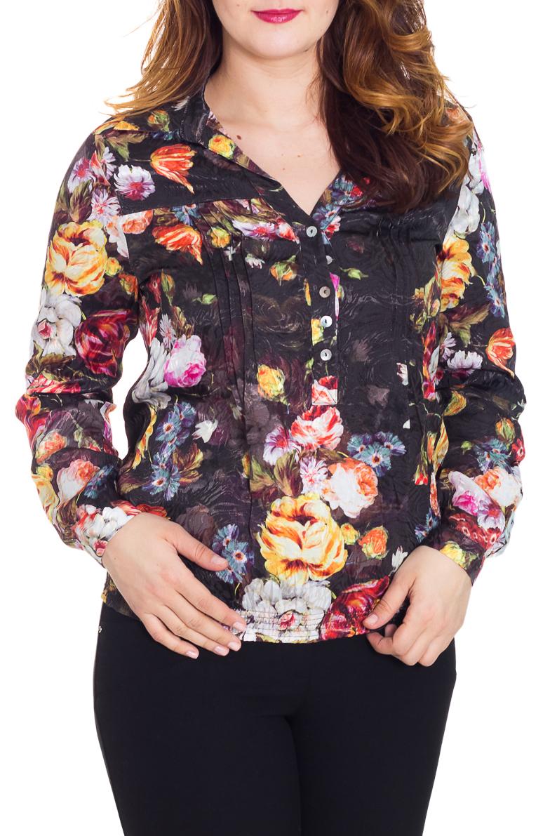 БлузкаБлузки<br>Красивая блузка приталенного силуэта. Модель выполнена из приятного материала. Отличный выбор для повседневного гардероба.  Цвет: черный, мультицвет  Рост девушки-фотомодели 180 см.<br><br>Горловина: V- горловина<br>Застежка: С пуговицами<br>По материалу: Тканевые,Блузочная ткань<br>По образу: Город,Свидание<br>По рисунку: Растительные мотивы,Цветные,Цветочные,С принтом<br>По сезону: Весна,Всесезон,Зима,Лето,Осень<br>По силуэту: Полуприталенные<br>По стилю: Повседневный стиль<br>Рукав: Длинный рукав<br>Воротник: Отложной<br>По элементам: С манжетами<br>Размер : 48,52<br>Материал: Блузочная ткань<br>Количество в наличии: 2