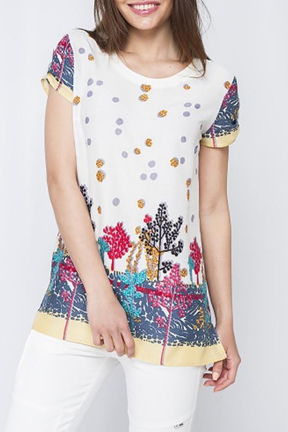 БлузкаБлузки<br>Цветная блузка с круглой горловиной и короткими рукавами. Модель выполнена из хлопкового материала. Отличный выбор для повседневного гардероба.  Параметры изделия:  42 размер: обхват груди 94 см, длина изделия 68 см;  46 размер: обхват груди 102 см, длина изделия 75 см.  Цвет: белый и др.  Рост девушки-фотомодели 170 см<br><br>Горловина: С- горловина<br>По материалу: Хлопок<br>По рисунку: С принтом,Цветные<br>По сезону: Весна,Зима,Лето,Осень,Всесезон<br>По силуэту: Свободные<br>По стилю: Повседневный стиль,Летний стиль<br>По элементам: С патами<br>Рукав: Короткий рукав<br>Размер : 42,44<br>Материал: Хлопок<br>Количество в наличии: 2