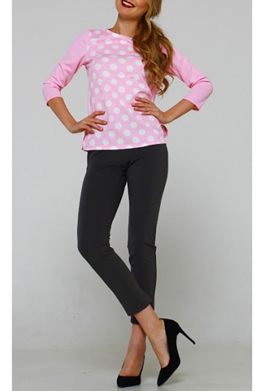 БлузкаБлузки<br>Блуза из плотного трикотажного полотна прямого силуэта с небольшими разрезами по бокам, рукав втачной, 3/4. Идеальный выбор для повседневной носки, и по особому случаю. Эффектная модель подчеркивает лёгкость, женственность и романтичность своей обладательницы    Длина изделия от 59 см до 62 см , в зависимости от размера.  В изделии использованы цвета: розовый, белый  Рост девушки-фотомодели 167 см.<br><br>Горловина: С- горловина<br>По материалу: Трикотаж<br>По образу: Город,Свидание<br>По рисунку: В горошек,С принтом,Цветные<br>По сезону: Весна,Зима,Лето,Осень,Всесезон<br>По силуэту: Прямые<br>По стилю: Кэжуал,Повседневный стиль<br>Рукав: Рукав три четверти<br>Размер : 46,48,50,52,54<br>Материал: Трикотаж<br>Количество в наличии: 5