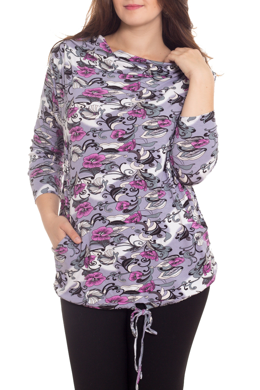 БлузкаБлузки<br>Цветная блузка с рукавами 3/4. Модель выполнена из приятного материала. Отличный выбор для повседневного гардероба.  В изделии использованы цвета: сиреневый, серый, черный  Рост девушки-фотомодели 180 см<br><br>Горловина: Качель<br>По материалу: Вискоза,Трикотаж<br>По рисунку: С принтом,Цветные,Этнические<br>По сезону: Весна,Зима,Лето,Осень,Всесезон<br>По силуэту: Полуприталенные<br>По стилю: Повседневный стиль<br>По элементам: С карманами<br>Рукав: Длинный рукав,Рукав три четверти<br>Размер : 54,58<br>Материал: Вискоза<br>Количество в наличии: 2