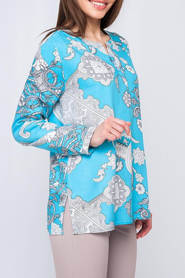 БлузкаБлузки<br>Удлиненная женская блуза, выполненая из хлопка, на грудке три пуговицы, украшаюшие блузу. Рукава изделия оформлены застежками, что позволяет удлинить рукава или сделать их более короткими. Насыщенный цвет и принт делают блузу более модной и яркой, идеальный летний вариант как для прогулок, так и для работы.   Параметры изделия:  44 размер: обхват по линии груди 101 см, обхват по линии бедер 106 см, длина изделия - 64 см, длина рукава - 60 см;  52 размер: обхват по линии груди 117 см, обхват по линии бедер 122 см, длина изделия - 68,5 см, длина рукава - 61 см  Цвет: голубой, белый  Рост девушки-фотомодели 170 см<br><br>По материалу: Хлопок<br>По образу: Город<br>По рисунку: С принтом,Этнические,Цветные<br>По сезону: Весна,Зима,Лето,Осень,Всесезон<br>По силуэту: Прямые,Свободные<br>По стилю: Повседневный стиль<br>По элементам: С патами<br>Рукав: Длинный рукав,Рукав три четверти<br>Горловина: Фигурная горловина<br>Размер : 42<br>Материал: Хлопок<br>Количество в наличии: 1