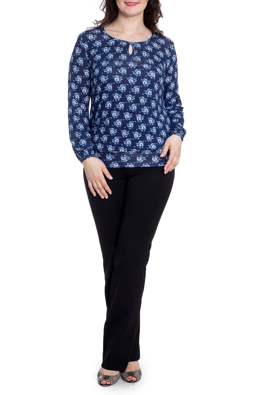 БлузкаБлузки<br>Цветная блузка с декоративной quot;капелькойquot; и длинными рукавами. Модель выполнена из мягкой вискозы. Отличный выбор для повседневного гардероба.  В изделии использованы цвета: темно-синий, голубой и др.  Рост девушки-фотомодели 180 см<br><br>По материалу: Вискоза<br>По сезону: Весна,Зима,Лето,Осень,Всесезон<br>По силуэту: Полуприталенные<br>По стилю: Повседневный стиль<br>Горловина: С- горловина<br>По рисунку: Растительные мотивы,С принтом,Цветные,Цветочные<br>Рукав: Длинный рукав<br>Размер : 48,50,52,54,56,58<br>Материал: Вискоза<br>Количество в наличии: 8
