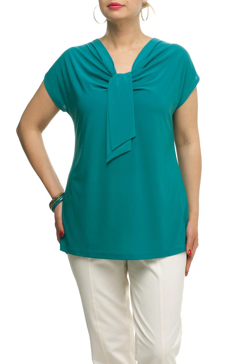 ТопБлузки<br>Однотонная женская блузка полуприталенного силуэта с декоративным элементом на груди. Модель выполнена из приятного трикотажа. Отличный выбор для любого случая.  Цвет: бирюзовый  Рост девушки-фотомодели 173 см<br><br>Горловина: Качель<br>По материалу: Трикотаж<br>По рисунку: Однотонные<br>По сезону: Весна,Зима,Лето,Осень,Всесезон<br>По силуэту: Полуприталенные<br>По стилю: Повседневный стиль<br>По элементам: С декором,Со складками<br>Рукав: Короткий рукав<br>Размер : 50,66,68,70,72<br>Материал: Холодное масло<br>Количество в наличии: 8