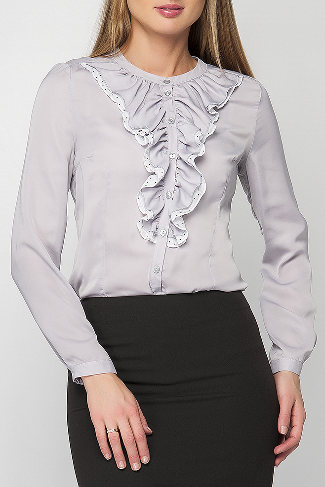 БлузкаБлузки<br>Блузка женская полуприлегающего силуэта с двойным жабо контрастного цвета. Модель имеет застежку на пуговицы. Вырез горловины круглый на плосколежащей стойке. Данную блузку Вы можете носить блузку с однотонными юбками или брюками. Прекрасный выбор на каждый день.   Параметры изделия: 44 размер: обхват по линии груди - 91 см, обхват по линии бедра - 98 см, длина рукава - 59 см, длина изделия - 60 см;  52 размер: обхват по линии груди - 107 см, обхват по линии бедра - 114 см, длина рукава - 59,5 см, длина изделия - 62,5 см.  54 размер: обхват по линии груди - 111 см, обхват по линии бедра - 118 см, длина рукава - 59,5 см, длина изделия - 62 см.  В изделии использованы цвета: серый  Рост девушки-фотомодели 175 см.<br><br>Горловина: С- горловина<br>Застежка: С пуговицами<br>По материалу: Тканевые<br>По рисунку: Однотонные<br>По сезону: Весна,Зима,Лето,Осень,Всесезон<br>По силуэту: Приталенные<br>По стилю: Повседневный стиль<br>По элементам: С воланами и рюшами,С декором,С манжетами<br>Рукав: Длинный рукав<br>Размер : 42,44,46,50,52,54<br>Материал: Блузочная ткань<br>Количество в наличии: 7