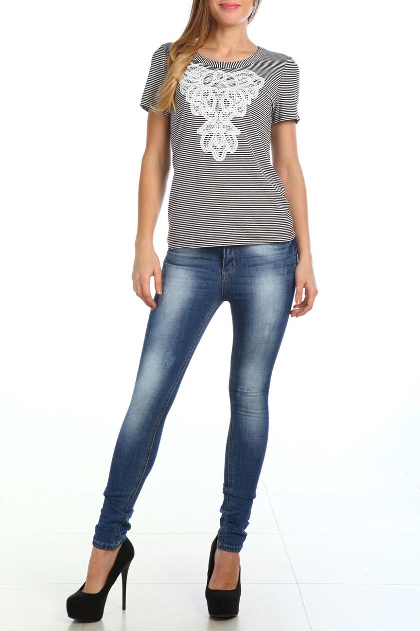 БлузаБлузки<br>Классическая женская блузка - это универсальный предмет одежды, в котором можно пойти как на работу, так и на свидание.  Очаровательная женская блузка quot;футболкаquot; с короткими рукавами.  Цвет: черный, белый.  Рост девушки-фотомодели 170 см<br><br>Горловина: С- горловина<br>По материалу: Вискоза,Трикотаж<br>По рисунку: В полоску,Цветные,С принтом<br>По сезону: Весна,Зима,Лето,Осень,Всесезон<br>По силуэту: Полуприталенные<br>По стилю: Повседневный стиль,Летний стиль<br>По элементам: С декором<br>Рукав: Короткий рукав<br>Размер : 44<br>Материал: Вискоза<br>Количество в наличии: 1