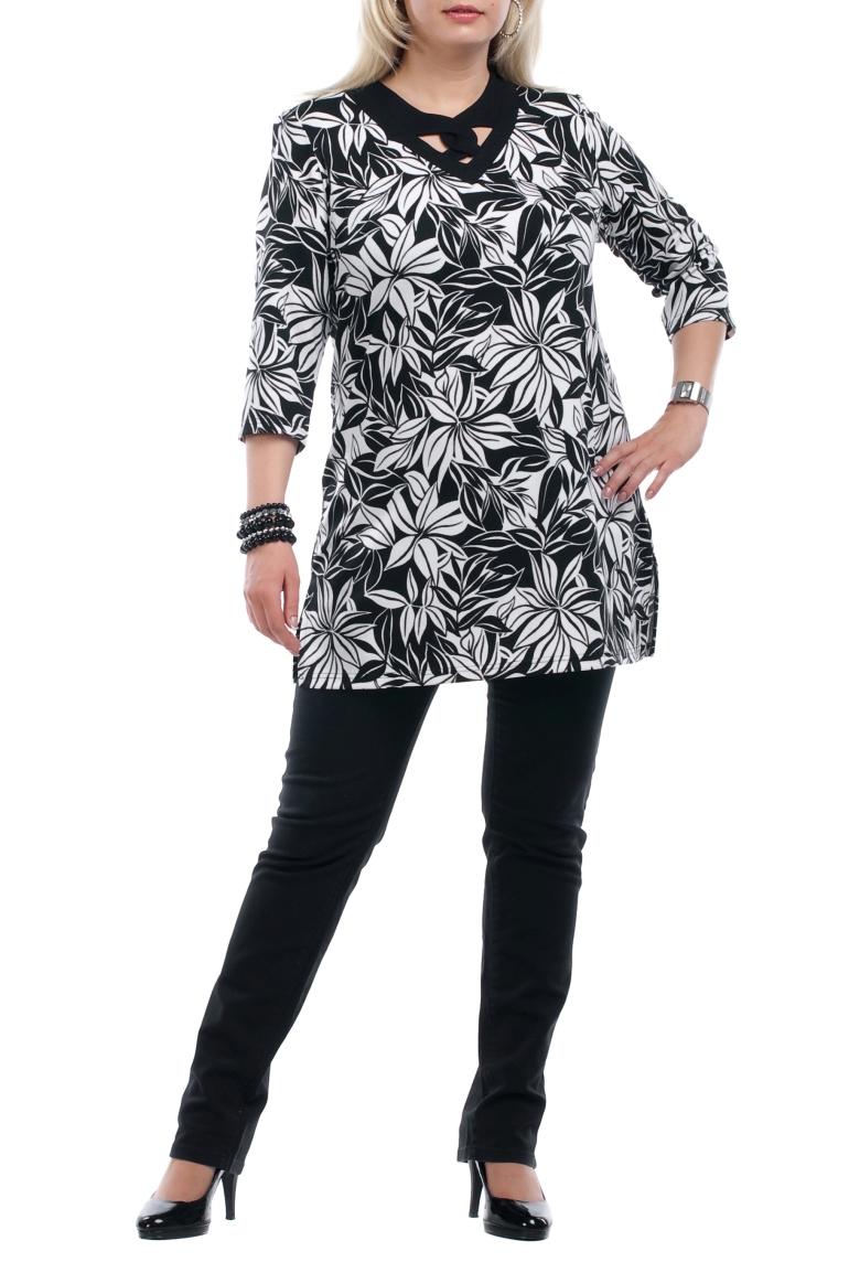 ТуникаТуники<br>Красивая женская туника с фигурной горловиной и рукавами 3/4. Модель выполнена из плотного трикотажа. Отличный выбор для повседневного гардероба.  Цвет: черный, белый  Рост девушки-фотомодели 173 см<br><br>По материалу: Вискоза,Трикотаж<br>По рисунку: Абстракция,Цветные<br>По сезону: Весна,Осень<br>По силуэту: Свободные<br>По стилю: Повседневный стиль<br>По элементам: С декором<br>Рукав: Рукав три четверти<br>Горловина: Фигурная горловина<br>Размер : 52,66<br>Материал: Трикотаж<br>Количество в наличии: 2