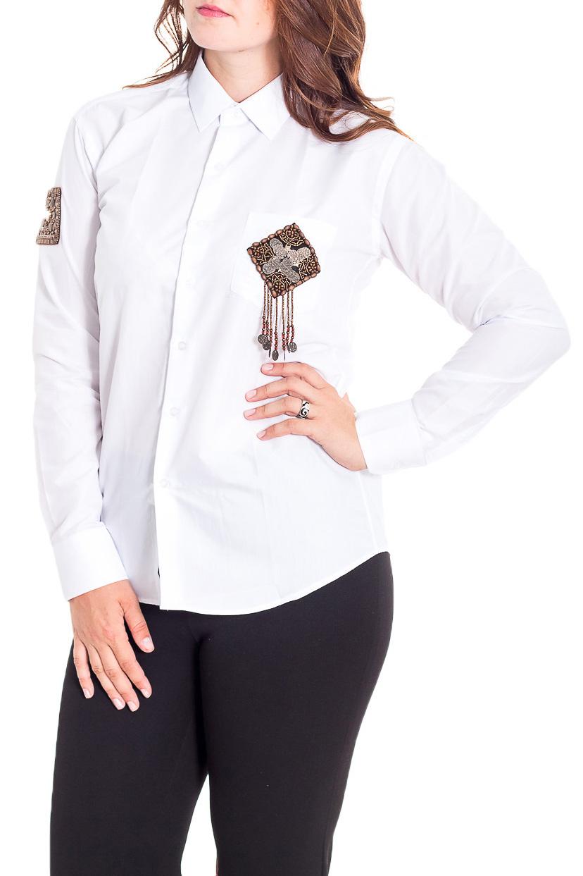 РубашкаРубашки<br>Однотонная рубашка полуприталенного силуэта с декоративной нашивкой. Модель выполнена из хлопкового материала. Отличный выбор для повседневного гардероба.  Рубашка подходит на размеры 40-48.  Цвет: белый  Рост девушки-фотомодели 180 см.<br><br>Воротник: Рубашечный<br>Застежка: С пуговицами<br>По материалу: Хлопок<br>По образу: Город,Офис<br>По рисунку: Однотонные<br>По сезону: Весна,Зима,Лето,Осень,Всесезон<br>По силуэту: Полуприталенные<br>По стилю: Офисный стиль,Повседневный стиль<br>По элементам: С декором,С манжетами<br>Рукав: Длинный рукав<br>Размер : universal<br>Материал: Хлопок<br>Количество в наличии: 1