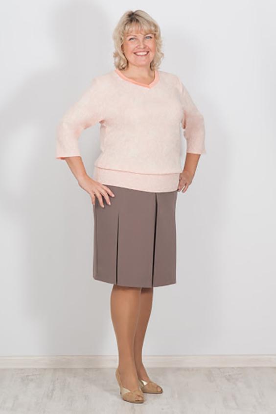 ПуловерПуловеры<br>Нежный пуловер с рукавами 3/4. Модель выполнена из мягкого трикотажа. Отличный выбор для повседневного гардероба.  Цвет: розовый  Ростовка изделия 170 см<br><br>По образу: Город,Офис,Свидание<br>По стилю: Повседневный стиль<br>По материалу: Трикотаж,Вискоза<br>По рисунку: Однотонные<br>По сезону: Весна,Осень<br>По силуэту: Полуприталенные<br>Рукав: Рукав три четверти<br>Горловина: V- горловина<br>Размер: 46,48,50,52,54,56,60<br>Материал: 70% вискоза 30% эластан<br>Количество в наличии: 3