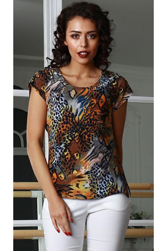 БлузкаБлузки<br>Блуза из легкого струящегося трикотажного полотна полуприлегающего силуэта со спущенной линией плеча и разрезами по боковым швам.  Длина изделия от 62 см до 68 см, в зависимости от размера.  В изделии использованы цвета: оранжевый, черный и др.  Параметры размеров: 42 размер - обхват груди 84 см., обхват талии 64 см., обхват бедер 92 см. 44 размер - обхват груди 88 см., обхват талии 68 см., обхват бедер 96 см. 46 размер - обхват груди 92 см., обхват талии 72 см., обхват бедер 100 см. 48 размер - обхват груди 96 см., обхват талии 76 см., обхват бедер 104 см. 50 размер - обхват груди 100 см., обхват талии 80 см., обхват бедер 108 см. 52 размер - обхват груди 104 см., обхват талии 84 см., обхват бедер 112 см. 54 размер - обхват груди 108 см., обхват талии 88 см., обхват бедер 116 см. 56 размер - обхват груди 112 см., обхват талии 92 см., обхват бедер 120 см. 58 размер - обхват груди 116 см., обхват талии 96 см., обхват бедер 124 см.  Рост девушки-фотомодели 176 см.<br><br>Горловина: С- горловина<br>Рукав: Короткий рукав<br>Материал: Вискоза,Трикотаж<br>Рисунок: Леопард,С принтом,Цветные<br>Сезон: Весна,Всесезон,Зима,Лето,Осень<br>Силуэт: Полуприталенные<br>Стиль: Летний стиль,Повседневный стиль<br>Размер : 42,44,46,48,54<br>Материал: Холодное масло<br>Количество в наличии: 5