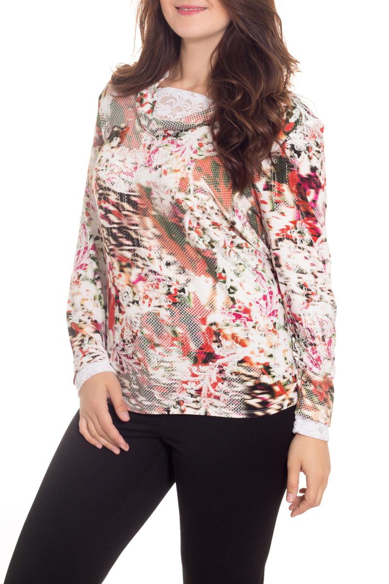 БлузкаБлузки<br>Цветная блузка с длинными рукавами. Модель выполнена из приятного материала. Отличный выбор для повседневного гардероба.  В изделии использованы цвета: белый, коралловый и др.  Рост девушки-фотомодели 180 см<br><br>По материалу: Вискоза<br>По образу: Город,Свидание<br>По рисунку: С принтом,Цветные<br>По сезону: Весна,Зима,Лето,Осень,Всесезон<br>По силуэту: Полуприталенные<br>По стилю: Повседневный стиль<br>Рукав: Длинный рукав<br>Размер : 60,62,64,66<br>Материал: Вискоза<br>Количество в наличии: 4