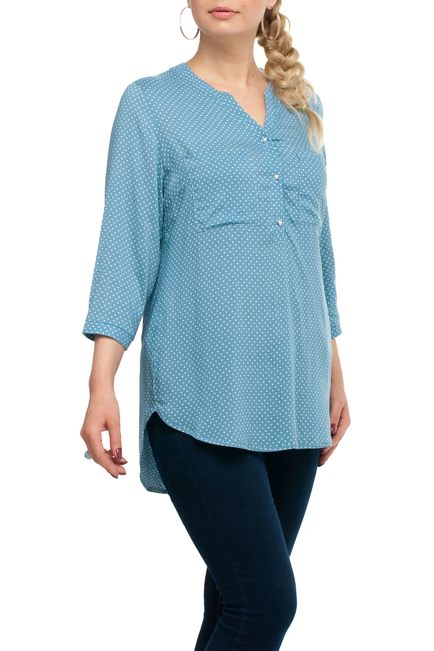 БлузаБлузки<br>Удлиненная блузка прямого силуэта. Модель выполнена из хлопкового материала. Отличный выбор для любого случая.  В изделии использованы цвета: голубой, белый  Рост девушки-фотомодели 173 см<br><br>Горловина: V- горловина<br>Застежка: С пуговицами<br>По материалу: Тканевые<br>По рисунку: В горошек,С принтом,Цветные<br>По сезону: Весна,Зима,Лето,Осень,Всесезон<br>По силуэту: Прямые<br>По стилю: Повседневный стиль<br>Рукав: Рукав три четверти<br>Размер : 58,66,70<br>Материал: Блузочная ткань<br>Количество в наличии: 3