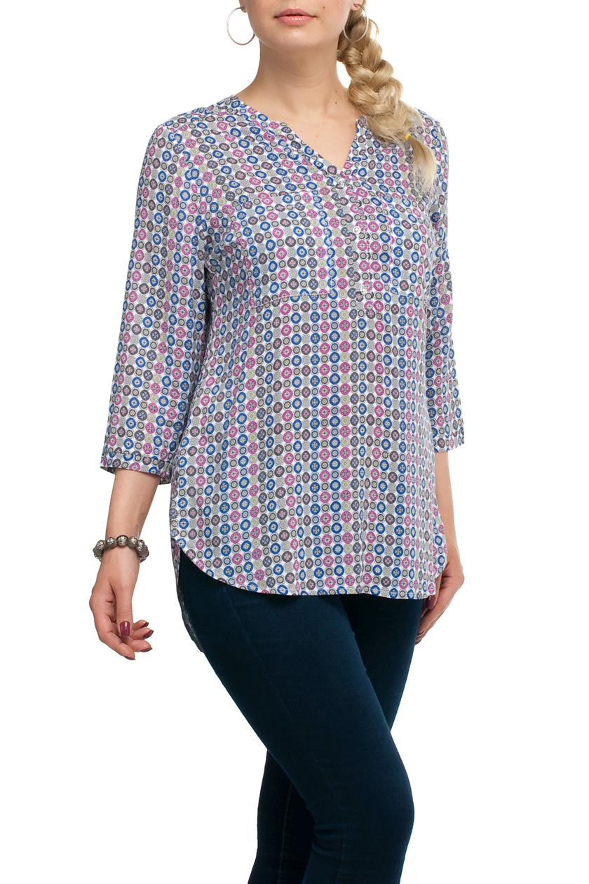 БлузаБлузки<br>Удлиненная блузка прямого силуэта. Модель выполнена из хлопкового материала. Отличный выбор для повседневного гардероба.   В изделии использованы цвета: серый, голубой, розовый и др.  Рост девушки-фотомодели 173 см.<br><br>Горловина: V- горловина<br>Застежка: С пуговицами<br>По материалу: Тканевые,Хлопок<br>По рисунку: В горошек,С принтом,Цветные<br>По сезону: Весна,Зима,Лето,Осень,Всесезон<br>По силуэту: Прямые<br>По стилю: Повседневный стиль<br>Рукав: Рукав три четверти<br>Размер : 62,64<br>Материал: Блузочная ткань<br>Количество в наличии: 2
