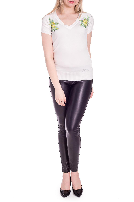 БлузкаБлузки<br>Однотонная блузка с цветочным принтом. Модель выполнена из приятного материала. Отличный выбор для повседневного гардероба.В изделии использованы цвета: белый и др.Рост девушки-фотомодели 170 см.<br><br>Горловина: V- горловина<br>Рукав: Короткий рукав<br>Материал: Трикотаж<br>Рисунок: Вышивка,Растительные мотивы,С принтом,Цветные,Цветочные<br>Сезон: Весна,Всесезон,Зима,Лето,Осень<br>Силуэт: Приталенные<br>Стиль: Повседневный стиль<br>Размер : 42-44,46-48<br>Материал: Трикотаж<br>Количество в наличии: 2