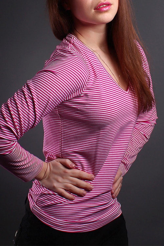 ПуловерКофты<br>Домашняя одежда, прежде всего, должна быть удобной, практичной и красивой. В пуловере Вы будете чувствовать себя комфортно, особенно, по вечерам после трудового дня.  Цвет: розовый, белый.<br><br>Горловина: V- горловина<br>По материалу: Вискоза<br>По рисунку: В полоску<br>По сезону: Весна,Зима,Лето,Осень,Всесезон<br>По силуэту: Полуприталенные<br>Рукав: Длинный рукав<br>Размер : 42-44<br>Материал: Вискоза<br>Количество в наличии: 1