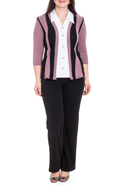 БлузкаБлузки<br>Универсальная блузка с рубашечным воротником. Модель выполнена из приятного материала. Отличный выбор для повседневного гардероба.   В изделии использованы цвета: розовый, черный, белый  Рост девушки-фотомодели 180 см<br><br>Воротник: Рубашечный<br>Горловина: V- горловина<br>По материалу: Блузочная ткань<br>По рисунку: Цветные<br>По сезону: Весна,Зима,Лето,Осень,Всесезон<br>По силуэту: Приталенные<br>По стилю: Повседневный стиль<br>Рукав: Рукав три четверти<br>Размер : 50,52<br>Материал: Блузочная ткань<br>Количество в наличии: 2