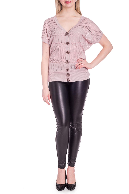 БлузкаКардиганы<br>Однотонная блузка с V-образной горловиной и короткими рукавами. Модель выполнена из приятного материала. Отличный выбор для повседневного гардероба.  В изделии использованы цвета: пудровый  Рост девушки-фотомодели 170 см.<br><br>Горловина: V- горловина<br>Застежка: С пуговицами<br>По длине: Короткие<br>По материалу: Вязаные<br>По рисунку: Однотонные<br>По силуэту: Полуприталенные<br>По стилю: Летний стиль,Повседневный стиль<br>Рукав: Короткий рукав<br>По сезону: Лето<br>Размер : 46-48<br>Материал: Вязаное полотно<br>Количество в наличии: 2