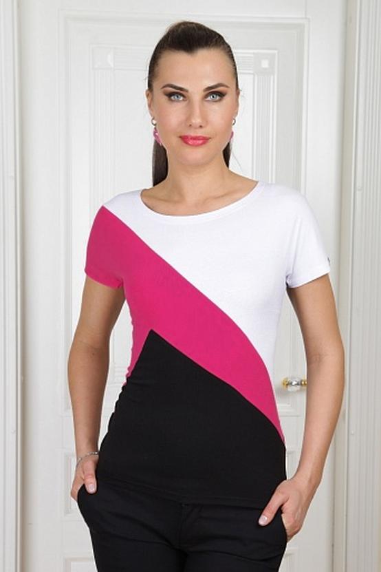 БлузкаБлузки<br>Яркая блузка с круглой горловиной и короткими рукавами. Модель выполнена из мягкой вискозы. Отличный выбор для повседневного гардероба.  Цвет: белый, розовый, черный  Параметры (обхват груди; обхват талии; обхват бедер): 44 размер - 88; 66,4; 96 см 46 размер - 92; 70,6; 100 см 48 размер - 96; 74,2; 104 см 50 размер - 100; 90; 106 см 52 размер - 104; 94; 110 см 54-56 размер - 108-112; 98-102; 114-118 см 58-60 размер - 116-120; 106-110; 124-130 см<br><br>Горловина: С- горловина<br>По материалу: Вискоза,Трикотаж<br>По образу: Город<br>По рисунку: Цветные<br>По сезону: Весна,Зима,Лето,Осень,Всесезон<br>По силуэту: Приталенные<br>По стилю: Повседневный стиль<br>Рукав: Короткий рукав<br>Размер : 48,50,52,54-56,58-60<br>Материал: Вискоза<br>Количество в наличии: 1