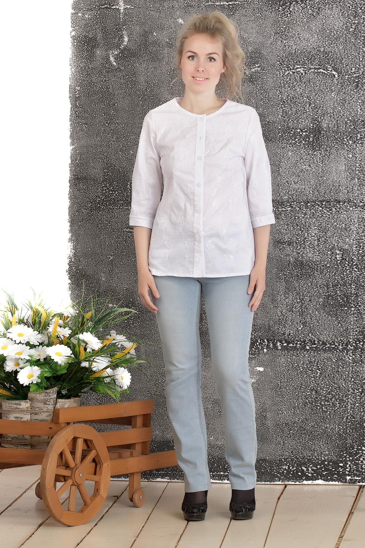 БлузкаБлузки<br>Удобная женская блузка прямого силуэта с рукавами 3/4. Модель выполнена из блузочной ткани с вышивкой. Прекрасный вариант для повседневного гардероба.  Цвет: белый  Длина изделия по среднему шву: 44 размер - 63 см 46 размер - 63,5 см 48 размер - 64 см 50 размер - 64,5 см 52 размер - 65 см 54 размер - 65,5 см 56 размер - 66 см 58 размер - 66,5 см  Длина рукава 40 см.  Рост девушки-фотомодели 161 см.<br><br>Горловина: С- горловина<br>По материалу: Вискоза,Тканевые<br>По образу: Город,Офис,Свидание<br>По рисунку: Однотонные<br>По сезону: Весна,Зима,Лето,Осень,Всесезон<br>По силуэту: Прямые<br>По стилю: Офисный стиль,Повседневный стиль<br>По элементам: С декором<br>Рукав: Рукав три четверти<br>Размер : 44,46,48,50,52,54,56,58<br>Материал: Блузочная ткань<br>Количество в наличии: 8