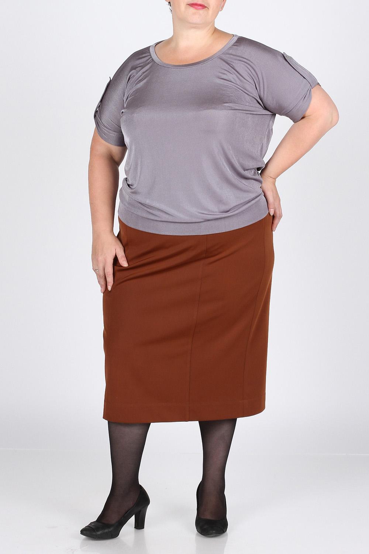 БлузкаБлузки<br>Очень красивая и стильная блуза из трикотажного полотна с эффектом мокрого шёлка. Фасон свободный, на небольшом поясе снизу. Украшена двумя патами на рукавах. Длина изделия по спинке - 65 см.  Цвет: серый  Рост девушки-фотомодели 164 см., размер 56.<br><br>Горловина: С- горловина<br>По материалу: Вискоза,Трикотаж<br>По рисунку: Однотонные<br>По сезону: Весна,Всесезон,Зима,Лето,Осень<br>По силуэту: Свободные<br>По стилю: Повседневный стиль,Летний стиль<br>По элементам: С патами<br>Рукав: Короткий рукав,До локтя<br>Размер : 48,50<br>Материал: Вискоза<br>Количество в наличии: 2