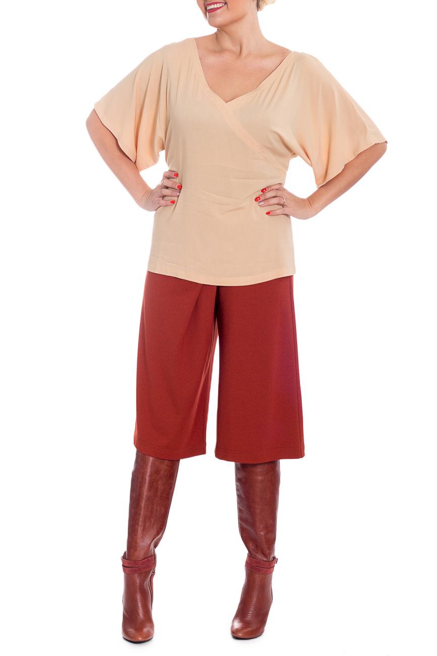 БлузкаБлузки<br>Блузка прямого силуэта. Блузка сшита из очень мягкой и приятной в носке вискозы, телесного цвета. Вырез V-образный, имитирующий запах. Блузка на поясе, который можно завязать как впереди, так и сзади.  Цвет: бежевый  Рост девушки-фотомодели 170 см.  Параметры размеров: 40 размер - обхват груди 80 см., обхват талии 64 см., обхват бедер 88 см., обхват под грудью 80,2 см., длина рукава 29 см., длина изделия по спинке 66 см. 42 размер - обхват груди 88 см., обхват талии 70 см., обхват бедер 92 см., обхват под грудью 86,2 см., длина рукава 29,5 см., длина изделия по спинке 66,5 см. 44 размер - обхват груди 88 см., обхват талии 70 см., обхват бедер 96 см., обхват под грудью 86,2 см., длина рукава 30 см., длина изделия по спинке 67 см. 46 размер - обхват груди 92 см., обхват талии 73 см., обхват бедер 100 см., обхват под грудью 89,2 см., длина рукава 30,5 см., длина изделия по спинке 67,5 см. 48 размер - обхват груди 96 см., обхват талии 76 см., обхват бедер 104 см., обхват под грудью 90,2 см., длина рукава 31 см., длина изделия по спинке 68 см. 50 размер - обхват груди 100 см., обхват талии 80 см., обхват бедер 108 см., обхват под грудью 92 см., длина рукава 31,5 см., длина изделия по спинке 68,5 см.<br><br>Горловина: V- горловина<br>По материалу: Хлопок<br>По рисунку: Однотонные<br>По сезону: Весна,Зима,Лето,Осень,Всесезон<br>По силуэту: Полуприталенные<br>По стилю: Повседневный стиль<br>Рукав: До локтя<br>Размер : 40,42,44,46,48,50<br>Материал: Хлопок<br>Количество в наличии: 6