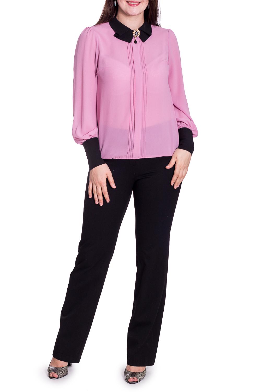 БлузкаБлузки<br>Блуза выполнена из шелкового крепа, воротник и манжеты выполнены из отделочной ткани. На высоком манжете 4 пуговицы в виде маленьких розочек.  В изделии использованы цвета: розовый, черный  Параметры размеров: 44 размер - обхват груди 84 см., обхват талии 72 см., обхват бедер 97 см. 46 размер - обхват груди 92 см., обхват талии 76 см., обхват бедер 100 см. 48 размер - обхват груди 96 см., обхват талии 80 см., обхват бедер 103 см. 50 размер - обхват груди 100 см., обхват талии 84 см., обхват бедер 106 см. 52 размер - обхват груди 104 см., обхват талии 88 см., обхват бедер 109 см. 54 размер - обхват груди 110 см., обхват талии 94,5 см., обхват бедер 114 см. 56 размер - обхват груди 116 см., обхват талии 101 см., обхват бедер 119 см. 58 размер - обхват груди 122 см., обхват талии 107,5 см., обхват бедер 124 см. 60 размер - обхват груди 128 см., обхват талии 114 см., обхват бедер 129 см.  Ростовка изделия 168 см.  Рост девушки-фотомодели 180 см.<br><br>Воротник: Отложной<br>По материалу: Тканевые<br>По рисунку: Однотонные<br>По сезону: Весна,Зима,Лето,Осень,Всесезон<br>По силуэту: Прямые<br>По стилю: Повседневный стиль<br>По элементам: С декором,С манжетами,Со складками<br>Рукав: Длинный рукав<br>Размер : 52,54<br>Материал: Блузочная ткань<br>Количество в наличии: 2