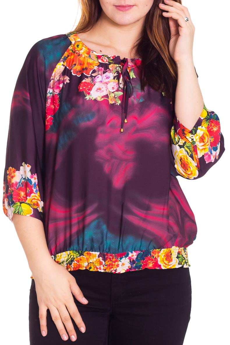 БлузкаБлузки<br>Яркая блузка свободного силуэта. Модель выполнена из приятного трикотажа. Отличный выбор для повседневного гардероба.  Цвет: фиолетовый, розовый, желтый  Рост девушки-фотомодели 180 см.<br><br>Горловина: С- горловина<br>Застежка: С завязками<br>По материалу: Вискоза,Трикотаж<br>По рисунку: Растительные мотивы,Цветные,Цветочные<br>По сезону: Весна,Всесезон,Зима,Лето,Осень<br>По силуэту: Свободные<br>По стилю: Повседневный стиль<br>Рукав: Рукав три четверти<br>Размер : 48,50,56,58<br>Материал: Холодное масло<br>Количество в наличии: 4