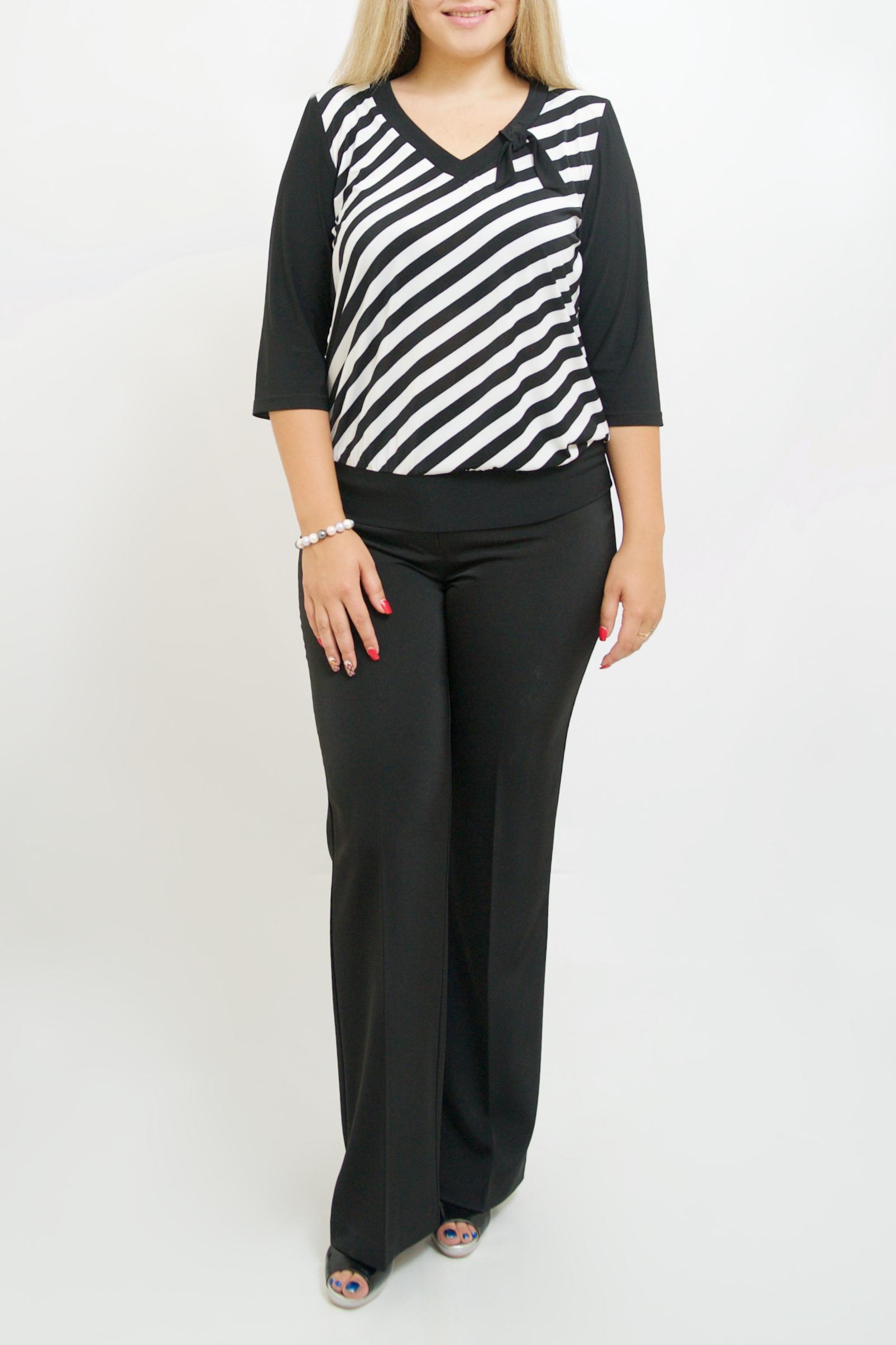 БлузкаБлузки<br>Красивая блузка с V-образной горловиной и рукавами 3/4. Модель выполнена из приятного материала. Отличный выбор для любого случая.  В изделии использованы цвета: черный, белый   Ростовка изделия 170 см.<br><br>Горловина: V- горловина<br>По материалу: Трикотаж<br>По рисунку: В полоску,С принтом,Цветные<br>По сезону: Весна,Зима,Лето,Осень,Всесезон<br>По силуэту: Полуприталенные<br>По стилю: Повседневный стиль<br>Рукав: Рукав три четверти<br>Размер : 44-46,48-50,52-56,58-62<br>Материал: Холодное масло<br>Количество в наличии: 7
