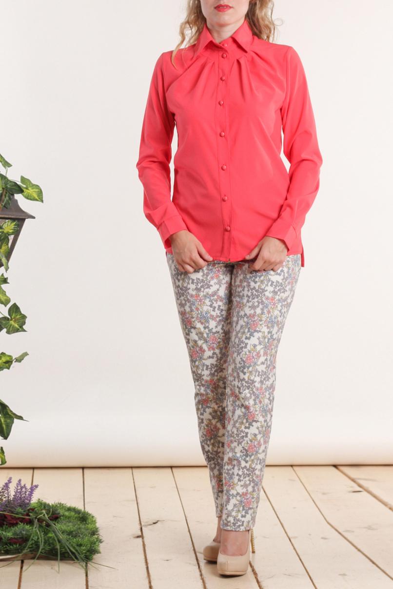 БлузкаБлузки<br>Великолепная блузка с застежкой на пуговицы и длинными рукавами. Модель выполнена из приятной блузочной ткани. Отличный выбор для любого случая.  Цвет: коралловый  Длина рукава 63 см.  Длина изделия 68 см + / - 2 см.  Рост девушки-фотомодели 161 см.<br><br>Воротник: Рубашечный<br>Застежка: С пуговицами<br>По материалу: Блузочная ткань,Тканевые<br>По рисунку: Однотонные<br>По сезону: Весна,Зима,Лето,Осень,Всесезон<br>По силуэту: Полуприталенные<br>По стилю: Повседневный стиль<br>По элементам: С манжетами<br>Рукав: Длинный рукав<br>Размер : 46,48,50,52<br>Материал: Блузочная ткань<br>Количество в наличии: 5