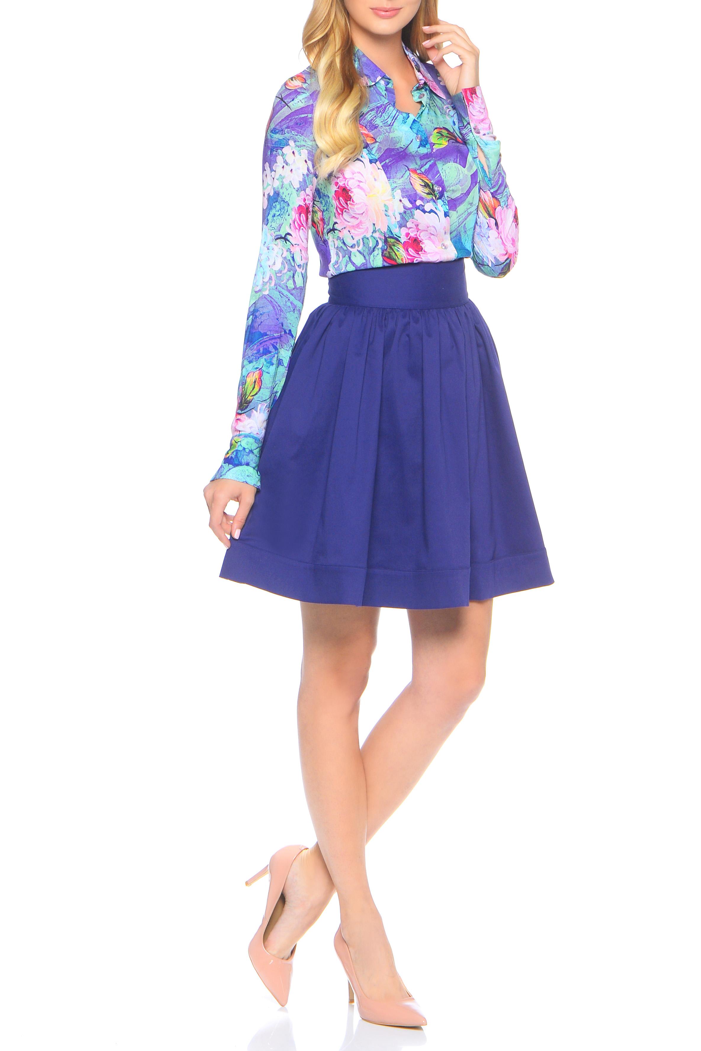 БлузкаБлузки<br>Блузка рубашка прилегающего силуэта из невероятно приятной к телу шелковистой блузочной вискозы. Вертикальный ряд пуговиц спереди, прямой воротник на стойке и длинный рукав с отложной манжетой, которая легко наращивает длину рукава при большом росте. Универсальная длина рубашки до бедра позволяет высоким девушкам носить ее на выпуск, а миниатюрным заправляя в брюки и юбку. Плюс - абстрактный цветочный принт, который позволяет комплектовать блузку с любыми базовыми вещами гардероба, вне зависимости от сезона. Блуза облегающего силуэта.   Ростовка изделия 170 см.  В изделии использованы цвета: голубой, сиреневый и др.  Параметры размеров: 42 размер соответствует обхвату груди 80 см;  44 размер соответствует обхвату груди 84 см;  46 размер соответствует обхвату груди 88 см;  48 размер соответствует обхвату груди 92 см;  50 размер соответствует обхвату груди 98 см;  52 размер соответствует обхвату груди 100 см;  54 размер соответствует обхвату груди 100 см.<br><br>Горловина: Фигурная горловина<br>Застежка: С пуговицами<br>По материалу: Вискоза,Тканевые<br>По рисунку: Растительные мотивы,С принтом,Цветные,Цветочные<br>По сезону: Весна,Зима,Лето,Осень,Всесезон<br>По силуэту: Прямые<br>По стилю: Повседневный стиль<br>По элементам: С манжетами<br>Рукав: Длинный рукав<br>Размер : 42,44,46,48,50,54<br>Материал: Вискоза<br>Количество в наличии: 6