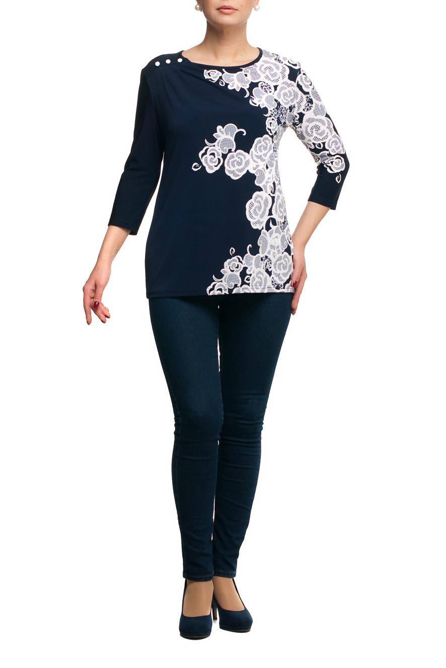 БлузкаБлузки<br>Красивая блузка с круглой горловиной и рукавами 3/4. Модель выполнена из приятного трикотажа. Отличный выбор для любого случая.   В изделии использованы цвета: темно-синий, белый  Рост девушки-фотомодели 173 см.<br><br>Горловина: С- горловина<br>По материалу: Трикотаж<br>По рисунку: Растительные мотивы,С принтом,Цветные,Цветочные<br>По сезону: Весна,Зима,Лето,Осень,Всесезон<br>По силуэту: Полуприталенные<br>По стилю: Повседневный стиль<br>По элементам: С декором<br>Рукав: Рукав три четверти<br>Размер : 48,52,56,58,60,62,66<br>Материал: Холодное масло<br>Количество в наличии: 11