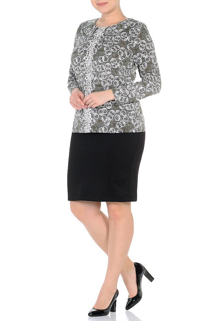 БлузкаБлузки<br>Цветная блузка с длинными рукавами. Модель выполнена из приятного материала. Отличный выбор для повседневного гардероба.  Длина изделия в 50 размере 62 см.  В изделии использованы цвета: серый, молочный  Ростовка изделия 164 см.<br><br>Воротник: Отложной<br>Горловина: С- горловина<br>По материалу: Трикотаж<br>По рисунку: С принтом,Цветные<br>По сезону: Весна,Зима,Лето,Осень,Всесезон<br>По силуэту: Полуприталенные<br>По стилю: Повседневный стиль<br>Рукав: Длинный рукав<br>Размер : 54,56,58,60<br>Материал: Холодное масло<br>Количество в наличии: 7