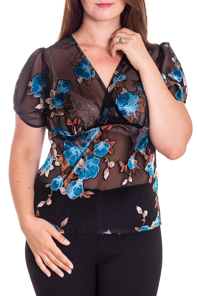 БлузкаБлузки<br>Эффектная блузка с цветочным принтом. Модель выполнена из воздушного шифона. Отличный выбор для повседневного гардероба.  В изделии использованы цвета: синий, голубой и др.  Рост девушки-фотомодели 180 см.<br><br>По сезону: Весна,Зима,Лето,Осень,Всесезон<br>По силуэту: Приталенные<br>По стилю: Повседневный стиль,Летний стиль<br>Рукав: Короткий рукав<br>Горловина: V- горловина<br>По материалу: Шифон<br>По рисунку: Растительные мотивы,С принтом,Цветные,Цветочные<br>Размер : 50<br>Материал: Шифон<br>Количество в наличии: 1