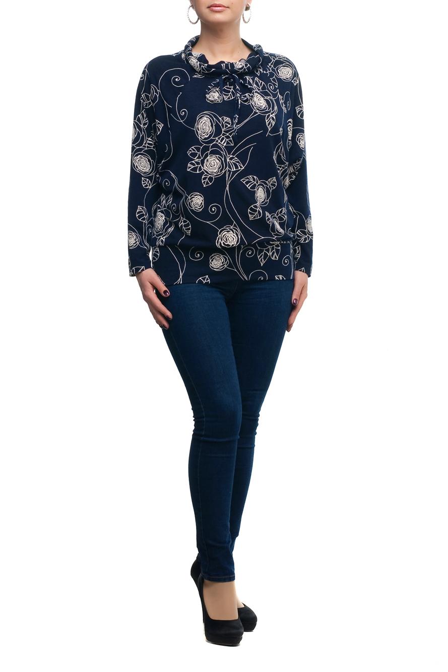 БлузкаБлузки<br>Стильная и элегантная женская блузка. Прекрасно подойдет как для повседневной носки, так и для торжественных мероприятий. Создайте очаровательный комплект, дополнив блузу подходящим низом: брюками или юбками. А подобрав яркое украшение, вы легко сможете превратить обычную блузу в праздничный наряд, привлекающий взгляды окружающих. Данная модель очень хорошо смотрится на любой фигуре, помогая скрыть маленькие недостатки. Отличное качество и разумная цена – оптимальный выбор современных женщин  В изделии использованы цвета: темно-синий, белый  Рост девушки-фотомодели 173 см.<br><br>Воротник: Хомут<br>По материалу: Трикотаж<br>По рисунку: Растительные мотивы,С принтом,Цветные,Цветочные<br>По сезону: Весна,Зима,Лето,Осень,Всесезон<br>По силуэту: Полуприталенные<br>По стилю: Повседневный стиль<br>По элементам: С декором<br>Рукав: Длинный рукав<br>Размер : 48,50,54,56,58,60,62,66,68,70<br>Материал: Трикотаж<br>Количество в наличии: 10