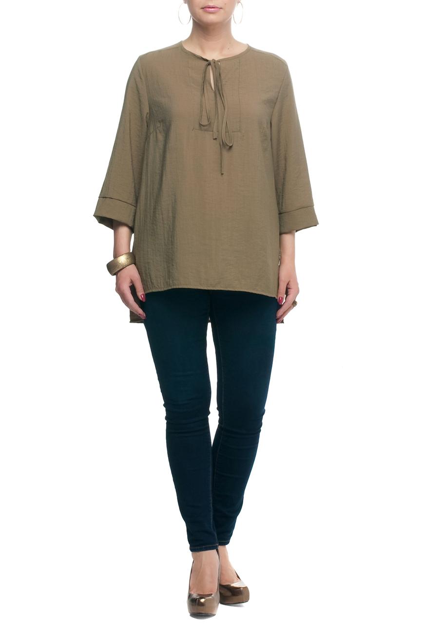 БлузкаБлузки<br>Замечательная блузка свободного силуэта с круглой горловиной и рукавами 3/4. Модель выполнена из приятного материала. Отличный выбор для любого случая.  В изделии использованы цвета: бежево-зеленый  Рост девушки-фотомодели 173 см.<br><br>Горловина: С- горловина<br>Застежка: С завязками<br>По материалу: Тканевые<br>По рисунку: Однотонные<br>По сезону: Весна,Зима,Лето,Осень,Всесезон<br>По силуэту: Прямые,Свободные<br>По стилю: Винтаж,Повседневный стиль<br>По элементам: С фигурным низом<br>Рукав: Рукав три четверти<br>Размер : 52,54,56,58,60<br>Материал: Блузочная ткань<br>Количество в наличии: 5