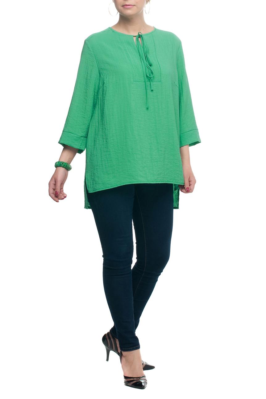 БлузкаБлузки<br>Замечательная блузка свободного силуэта с круглой горловиной и рукавами 3/4. Модель выполнена из приятного материала. Отличный выбор для любого случая.  В изделии использованы цвета: зеленый  Рост девушки-фотомодели 173 см.<br><br>Горловина: С- горловина<br>Застежка: С завязками<br>По материалу: Тканевые<br>По рисунку: Однотонные<br>По сезону: Весна,Зима,Лето,Осень,Всесезон<br>По силуэту: Прямые,Свободные<br>По стилю: Винтаж,Повседневный стиль<br>По элементам: С фигурным низом<br>Рукав: Рукав три четверти<br>Размер : 52,60,62,64<br>Материал: Блузочная ткань<br>Количество в наличии: 4