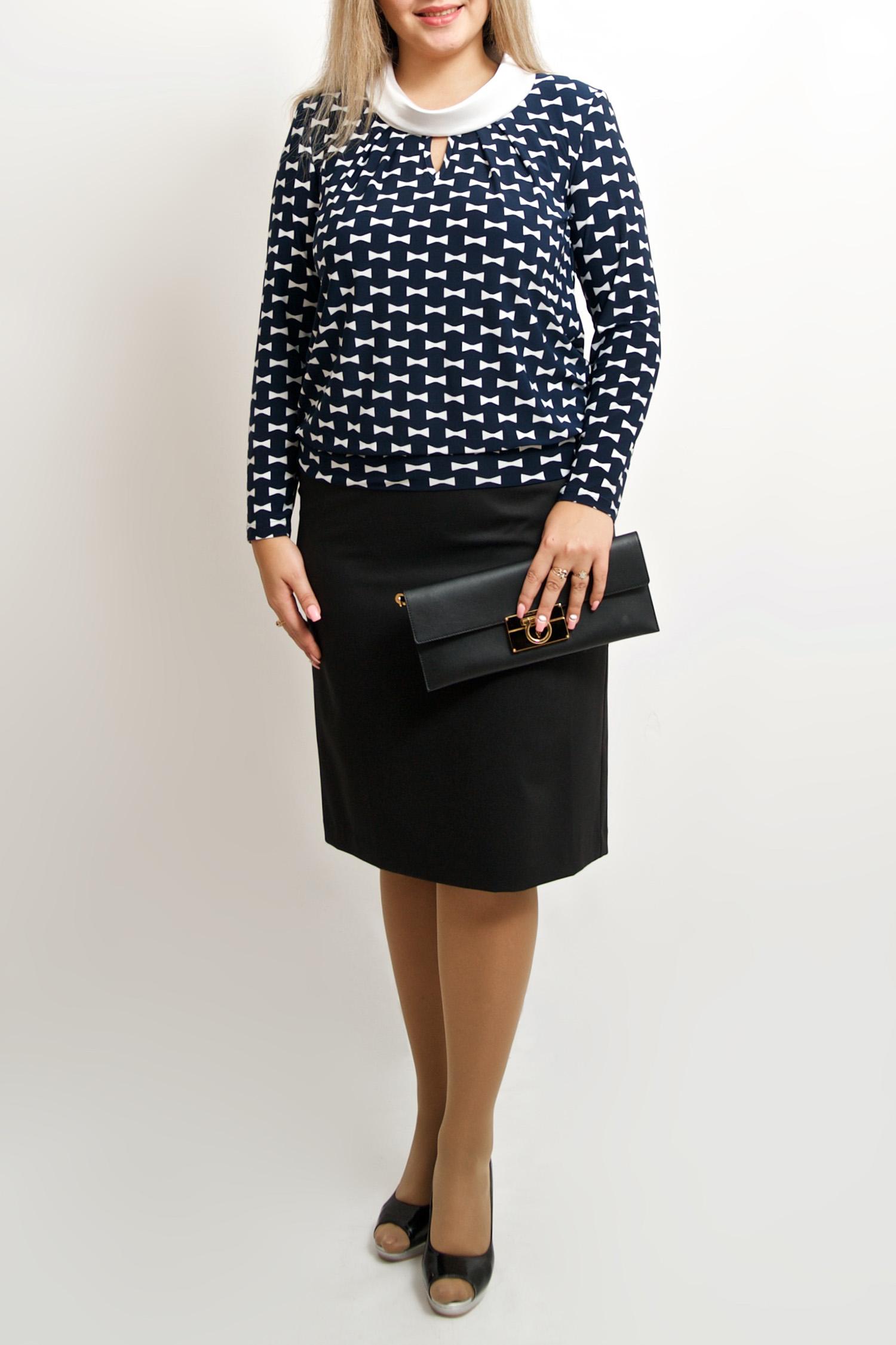 БлузкаБлузки<br>Красивая блузка с декоративным вырезом капелька. Модель выполнена из приятного материала. Отличный выбор для любого случая.  В изделии использованы цвета: синий, белый  Рост девушки-фотомодели 173 см<br><br>По материалу: Атлас,Трикотаж<br>По рисунку: С принтом,Цветные<br>По сезону: Весна,Зима,Лето,Осень,Всесезон<br>По силуэту: Полуприталенные<br>По стилю: Повседневный стиль<br>Рукав: Длинный рукав<br>Размер : 44-46,48-50,52-56,58-62,64-68<br>Материал: Холодное масло + Атлас<br>Количество в наличии: 15
